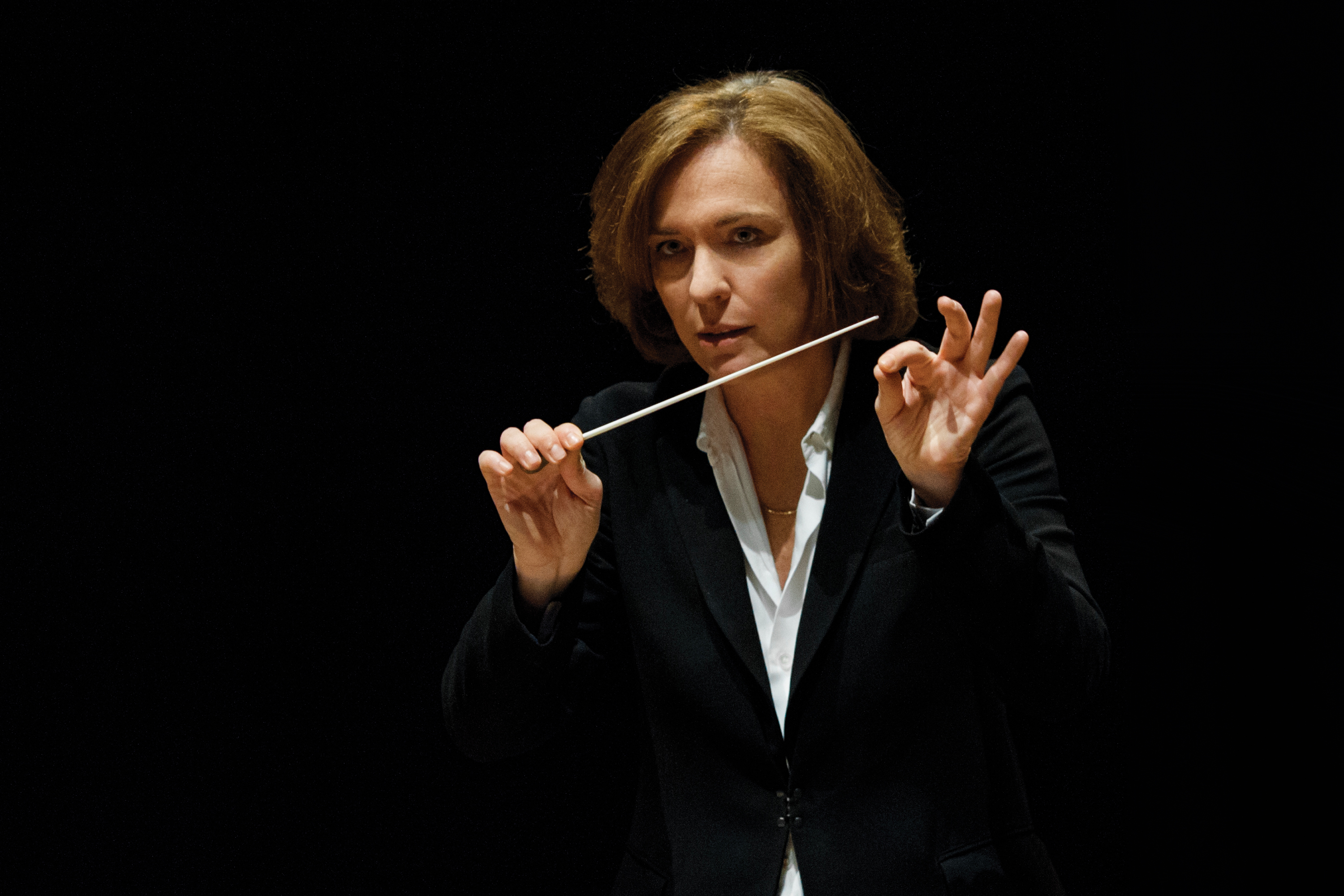Laurence Equilbey conducts Brahms's German Requiem in Lisbon and Paris 2