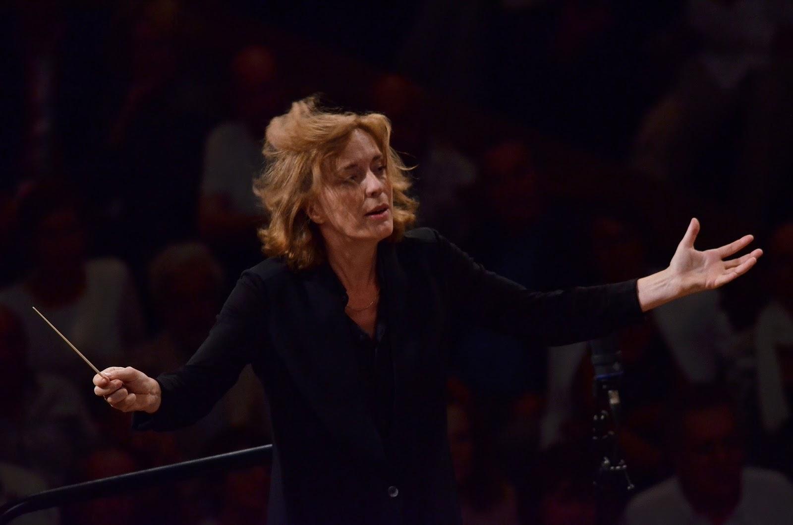 Laurence Equilbey in Paris & Hamburg